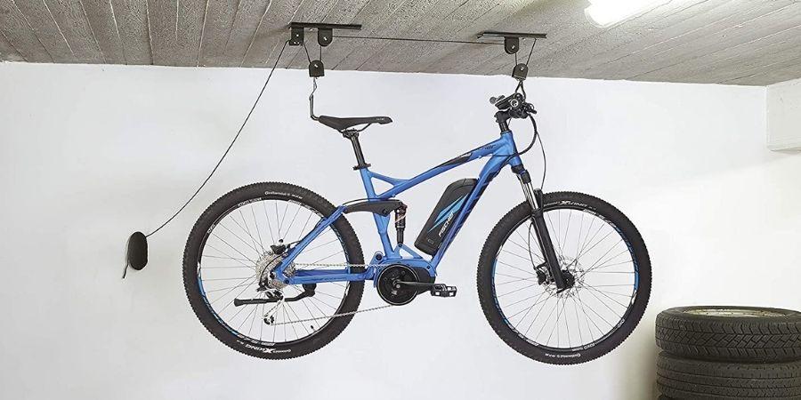 Colgar-bicicletas-techo-garaje